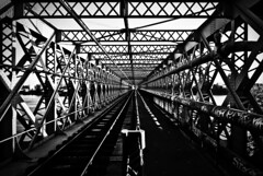 (janbat) Tags: bridge bw train nikon nb tokina abandon rails pont d200 f4 nantes 1224 dsaffect jbaudebert