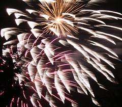 ooooooooooh, aaaaaaaaaaaaah (Richard Parmiter) Tags: fireworks guyfawkes bonfirenight november5th croxleygreen