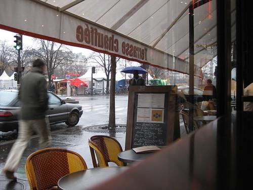 """Dimanche matin au café le """"Canon de la Nation"""" Paris 12ème arrondissement"""