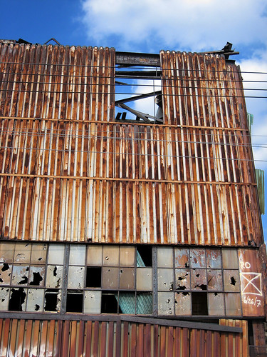 Rusted Factory in LIC 002
