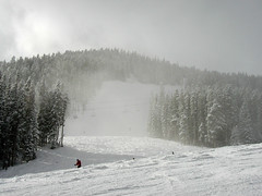 BM293 Skiing at Beaver Creek (listentoreason) Tags: winter usa snow water america colorado skiing unitedstates scenic places olympus event co beavercreek activity score25 olympusc4040z c4040z