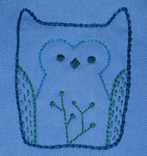 blue owl bib detail