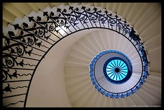 THE TULIP STAIRS | Queen's House, London (Aditya Bhelke) Tags: london geotagged spiral nikon greenwich 1855 2008 queenshouse d40 tulipstairs adityabhelke theperfectphotographer geo:lat=51481232 geo:lon=0003819