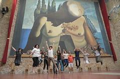 Salta com Dal a Figueres (Museus Dal) Tags: jump salt gala figueres dal portlligat halsman fundaci