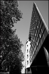 La pointe de l'architecture (Gongashan) Tags: paris france   avenuejeanjaures