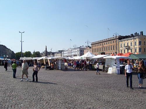 La plaza del mercado en Helsinki. Con bajo poder adquisitivo, a ver lo que compras