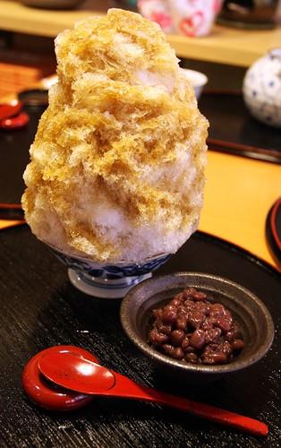 Shaved ice with tea syrup 01, Shimokitazawa, Tokyo