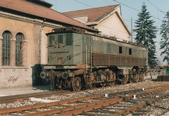 SBB Be 4/6 12339 (dpf1958) Tags: old italy shot scan locomotive lombardia 1990 deposito voghera