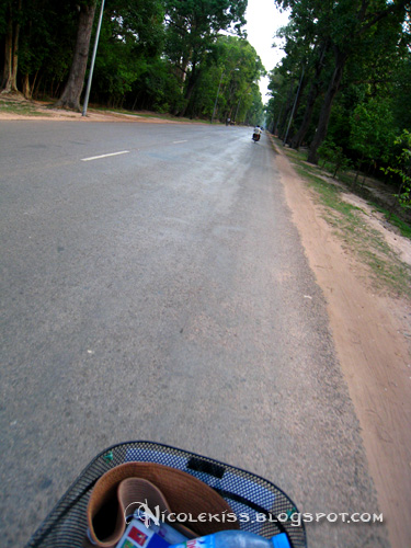 cycling back to siem reap from angkor wat