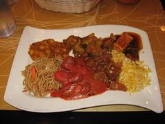 Tawa: Lunch buffet - chole, achari aloo, chili paneer, vegetarian hakka noodle, chicken tikka masala, lamb szechwan, zafarani pulao