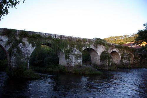 Ponte Ledesma, augas abaixo