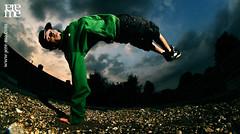 Bboy Xisco (jere-me) Tags: world light fish eye canon licht three shot stones stripes group champion jeremy freeze hood trick van breakdance adidas breda bboy tilburg grind kidz thug gravel def lenz strobe hustle flits dogz stenen groep jereme flitser truuk strobist bedijk