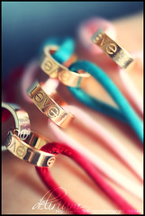 Sorry I Cant Always Find The Words To Say... (QTRZ . d e l i r i u m ,,) Tags: pink blue red blur macro love colors canon eos focus colorful cartier bracelet bracelets delirium 450d qtrz