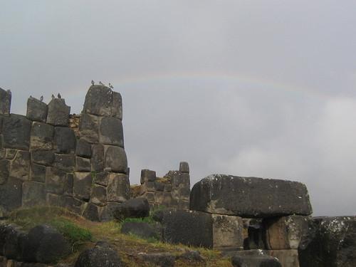 murallas + arcoiris + palomas