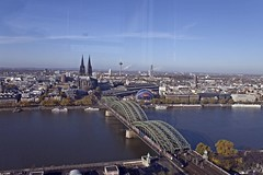 View on Cologne Cathedral with Hohenzollern Bridge (sandrosamigos) Tags: germany cologne kln rhine duitsland colognecathedral keulen hohenzollernbridge klntriangletower