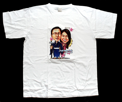 Kimono couple caricatures on T-shirt