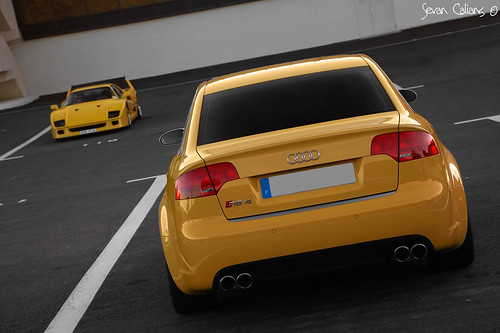 Audi RS4 with best italian supercar, Ferrari F40
