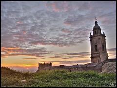 Iglesia Mayor (Medina Sidonia) -Cádiz- (Alberto Jiménez Rey) Tags: world our sunset sun tower sol church colors de torre mayor iglesia cybershot alberto cielo rey medina puesta hdr hierba in jimenez sidonia citrit theunforgettablepictures dsct200 goldstaraward