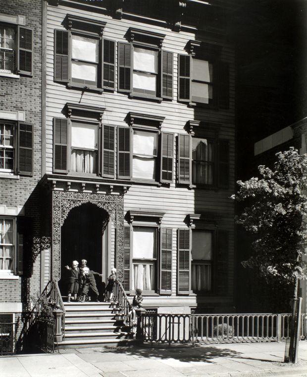 facade  14 west 12th street