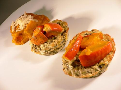 Spinat-Frischkäse-Törtchen und Kürbispüree