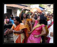 Women's Liberation (PSM Photos) Tags: india women dancing bengal durgapuja bishnupur westbengal folkculture bankura psmphotography incrediblebengal