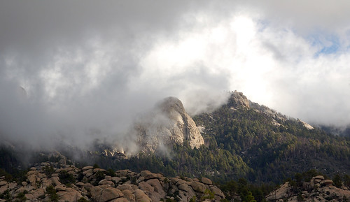 clouds and lemmon rock lookout
