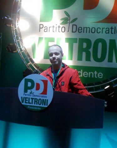Zoro alias Zoro dietro il podio di Veltroni