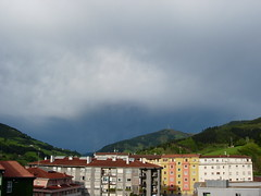 Eibar ekaitza baino lehen (epeh1) Tags: sky storm nature clouds natura euskalherria basquecountry eibar zerua hodeiak ekaitza