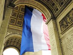 FLAGISSIMO |paris| (_loran_) Tags: paris france big flag arcdetriomphe drapeau ceremonie