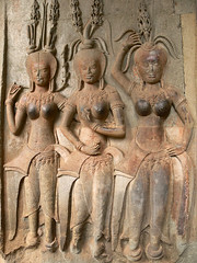 BAS RELIEF, Angkor Wat, Temples of Angkor, Siem Reap, Cambodia (kk_wpg) Tags: travel ruins scenery asia cambodia southeastasia angkorwat unesco temples siemreap angkor 2008 archaelogy travelpictures travelphotos templesofangkor kkwpg unescöworldheritagesite