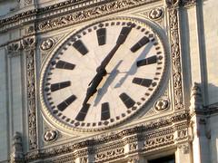 Wrigley Clock (chi_cowboy) Tags: chicago jeffersonpark wrigleybuilding northmichiganavenue northwestside canonpowershotsd950is