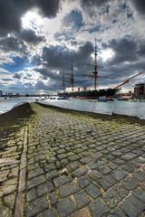 Portsmouth Harbour (5ERG10) Tags: sea beach sergio clouds boat seaside nikon ship portsmouth hdr highdynamicrange blueribbonwinner 3xp sigma1020 d80 golddragon amiti dragongold hdraward 5erg10 sergioamiti