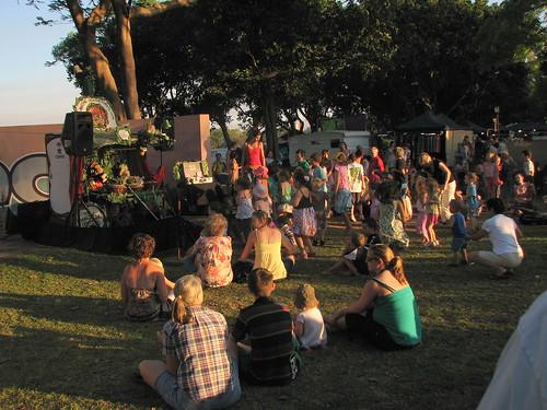 Drumming Monkies @ Mindil Beach Market