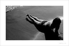 Without face (preju_13) Tags: sea summer bw sun girl tramonto mare estate riva ombra ombre bikini tuscany luci toscana sole bianco nero sera ragazza sabbia gambe diagonale composizione bside carlotta rossa piombino sterpaia bagnasciuga trecce sdraiata preju mortelliccio aplusphoto momentodirelax comesistavabenealmare