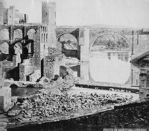Restos del Artificio de Juanelo en Toledo. Foto Clifford, 1858