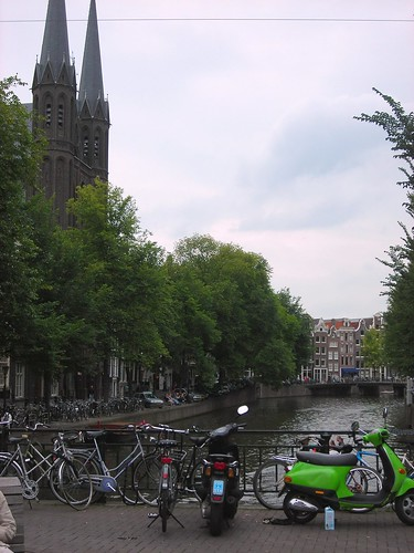 On the Singel canal