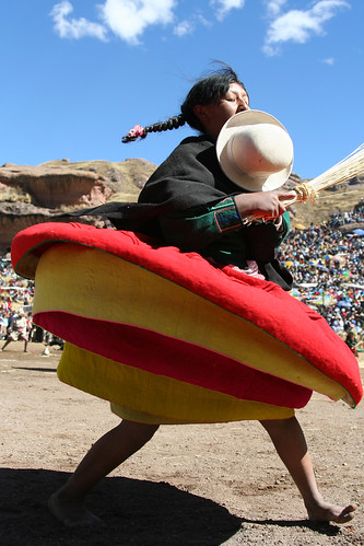 Festival de Tinajani - Twirling Skirt