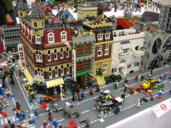 Zombie Apocafest 2008 - My buildings (Dunechaser) Tags: lego zombie events valve displays undead zombies tbb brickcon brickarms thebrothersbrick brothersbrickcom brickcon2008 brickcon08 apocafest