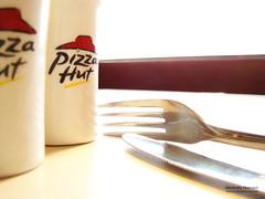 Pizaa hut (deshaa30) Tags: red food green yellow restaurant sony knife spoon hut hamed mostafa pizaa tablespoon h50      pizaahut   deshaa wwwmostafahamednet mostafahamed