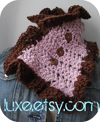 chocoberry button scarflette
