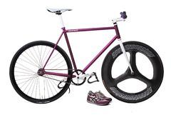 Veloheld Hipster Spezial (ersatzspeiche) Tags: studio nikon track purple phil steel hipster lila singlespeed fixed fixie fixedgear d200 styler pista velo stahl weis bahnrad trispoke fakenger veloheld