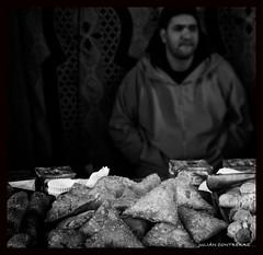 BAKLAWA (Julin Contreras) Tags: canon pastel mercadomedieval 24105l 40d canoneos40d julincontreras pastelarabe