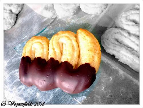 Spritz aux noix (et chocolat) (VGL) 3095170200_575fc248ed