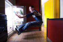 Fridge (drifs) Tags: light boy portrait man men guy fridge flash portraiture lumiere scream surprise screaming gars homme strobe cri garon crier frigo hurler frigidaire ehrhardt strobist drifs