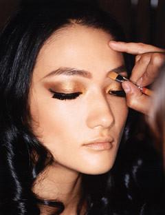 шоколадно золотой макияж