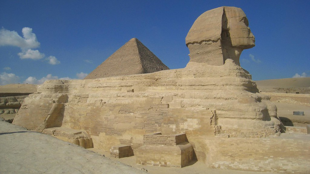 photo essay pyramids temples of go backpacking the sphinx