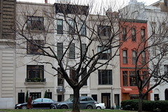 Luxury living NYC - Lexington Avenue Townhouses - Upper East Side, Manhattan, New York City (Pedruca) Tags: new york city nyc urban house ny home apple architecture lens mercedes benz town big nikon manhattan lexington side s class east upper ues 200 driver mansion nikkor dslr 18 55 avenue luxury av amg 212 merc chauffeur d40 s550 s63