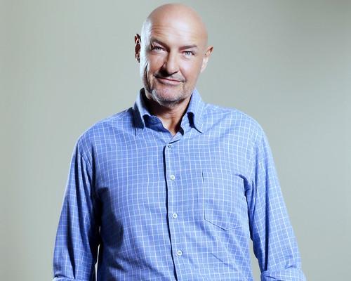 Lost S5 John Locke con camisa