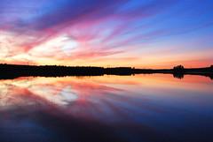 Inneråträsk (ÅkeS) Tags: sunset himmel vatten solnedgång sjö västerbotten 2008september inneråträsk