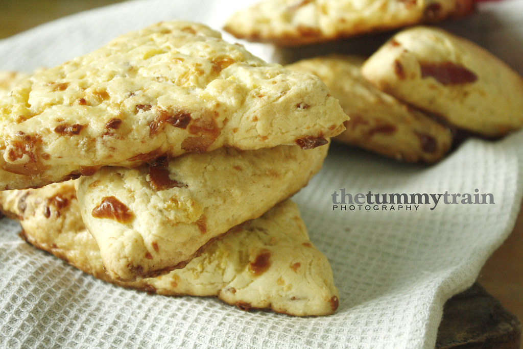 Bacon, Egg & Cheddar Scones